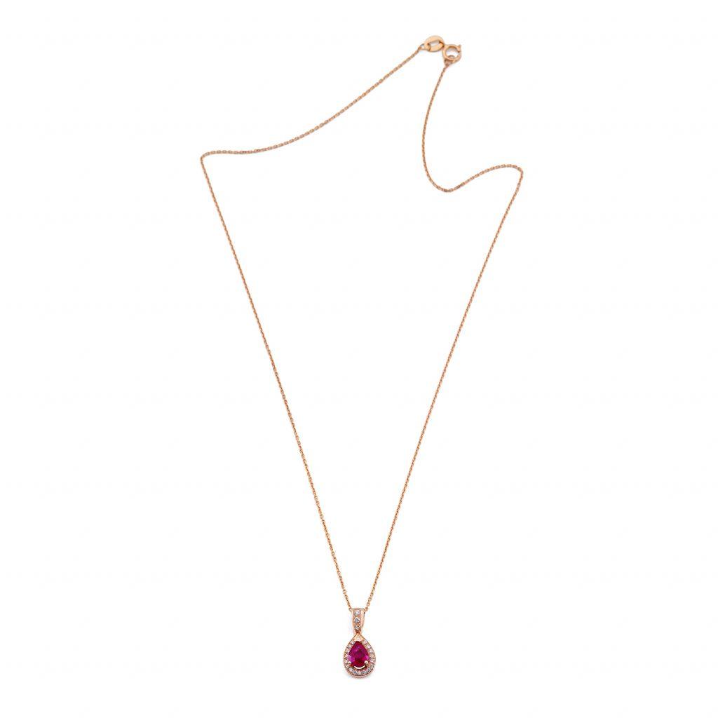 Colgante y cadena de Oro Rosa de 1ª Ley con un rubí talla pera y diamantes talla brillante alrededor